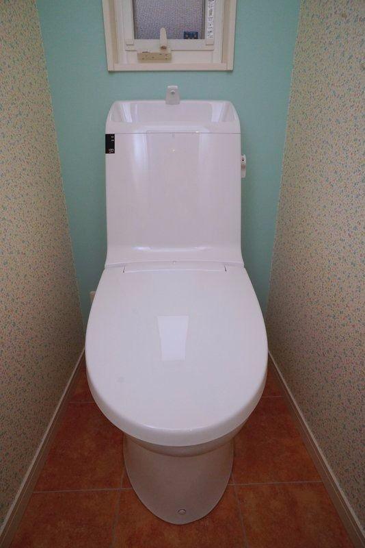 やっぱり新築のトイレは綺麗だ。