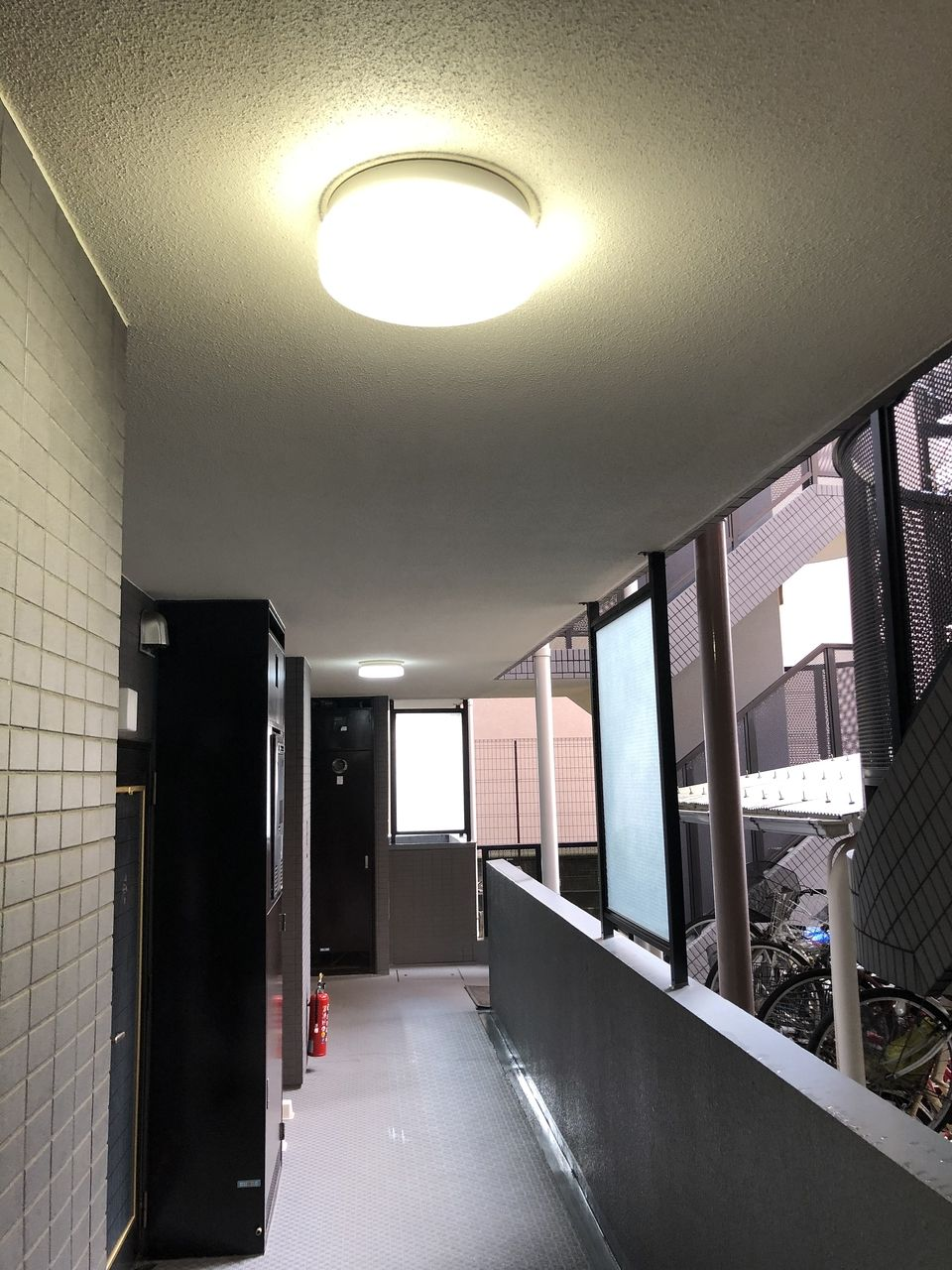 高出力電池内蔵LED保安円型照明